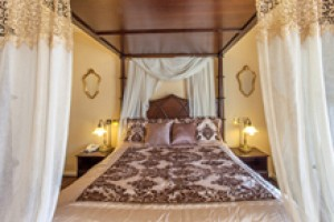 Four Poster Suite