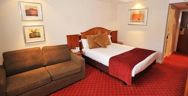 Airport Inn Manchester Hotel & Spa